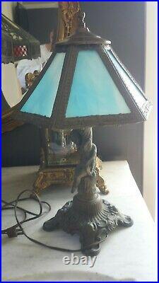 Beautiful Vintage Electric Cherub Table Lamp Blue Slag Glass Shade